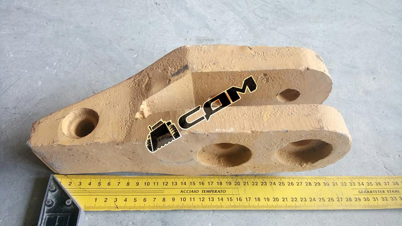 Адаптер наконечника ковша болтовое крепление CDM853 CDM853.11.01-002.